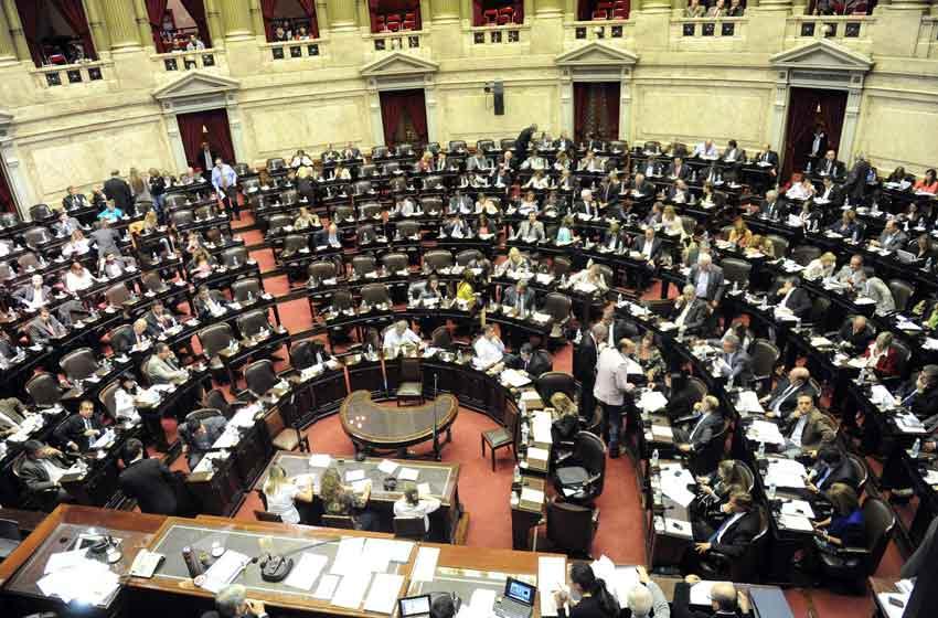 El Gobierno convocó a sesiones extraordinarias para tratar las reformas