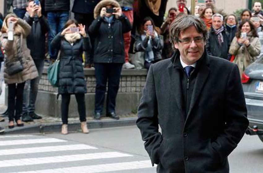 Carles Puigdemont viajó a Dinamarca y la Fiscalía española pidió su detención