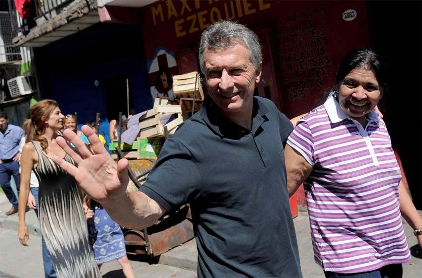 En la víspera de Navidad, Macri visitó el comedor de Margarita Barrientos