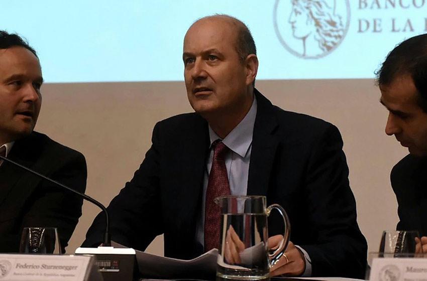Sturzenegger avisa: subirá la tasa de interés si la inflación no baja