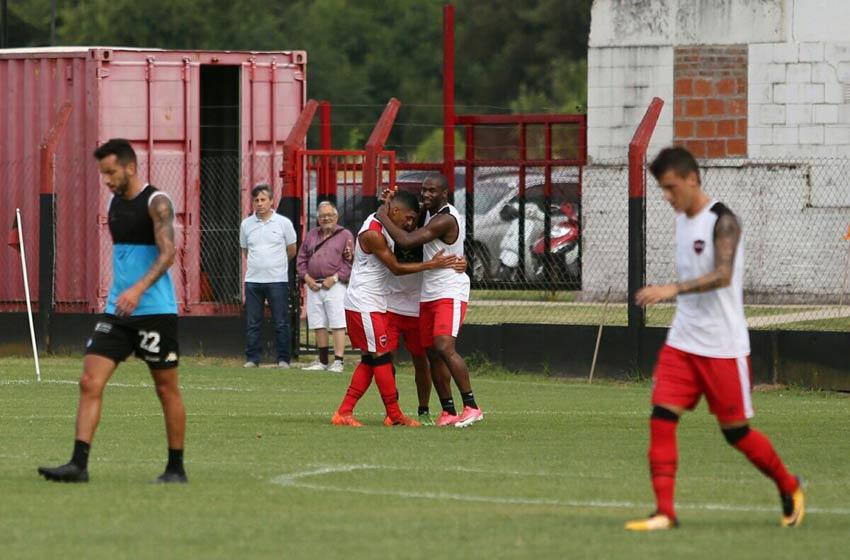 Belgrano, con Leo Sequeira como titular, igualó ante Newell's en un amistoso