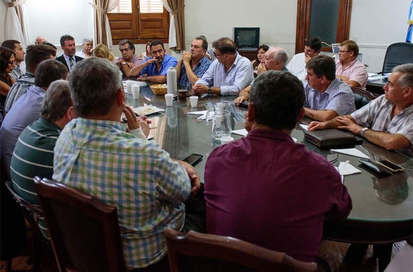 La Provincia ofertó un 18% de aumento a estatales — Jornada clave