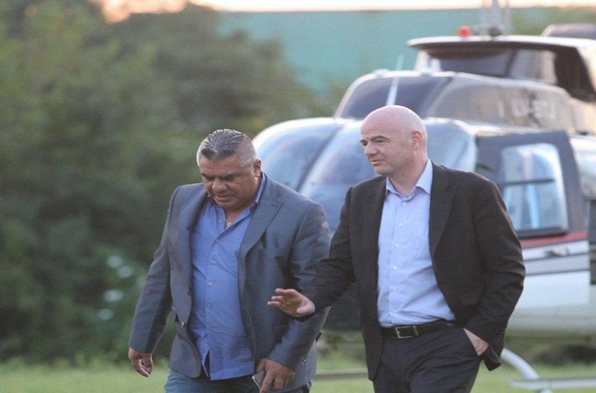 Gianni Infantino llegó a Argentina y fue recibido por Tapia