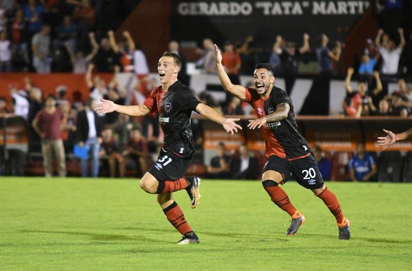 Newell's venció a Talleres en el final con un golazo de Cacciabue